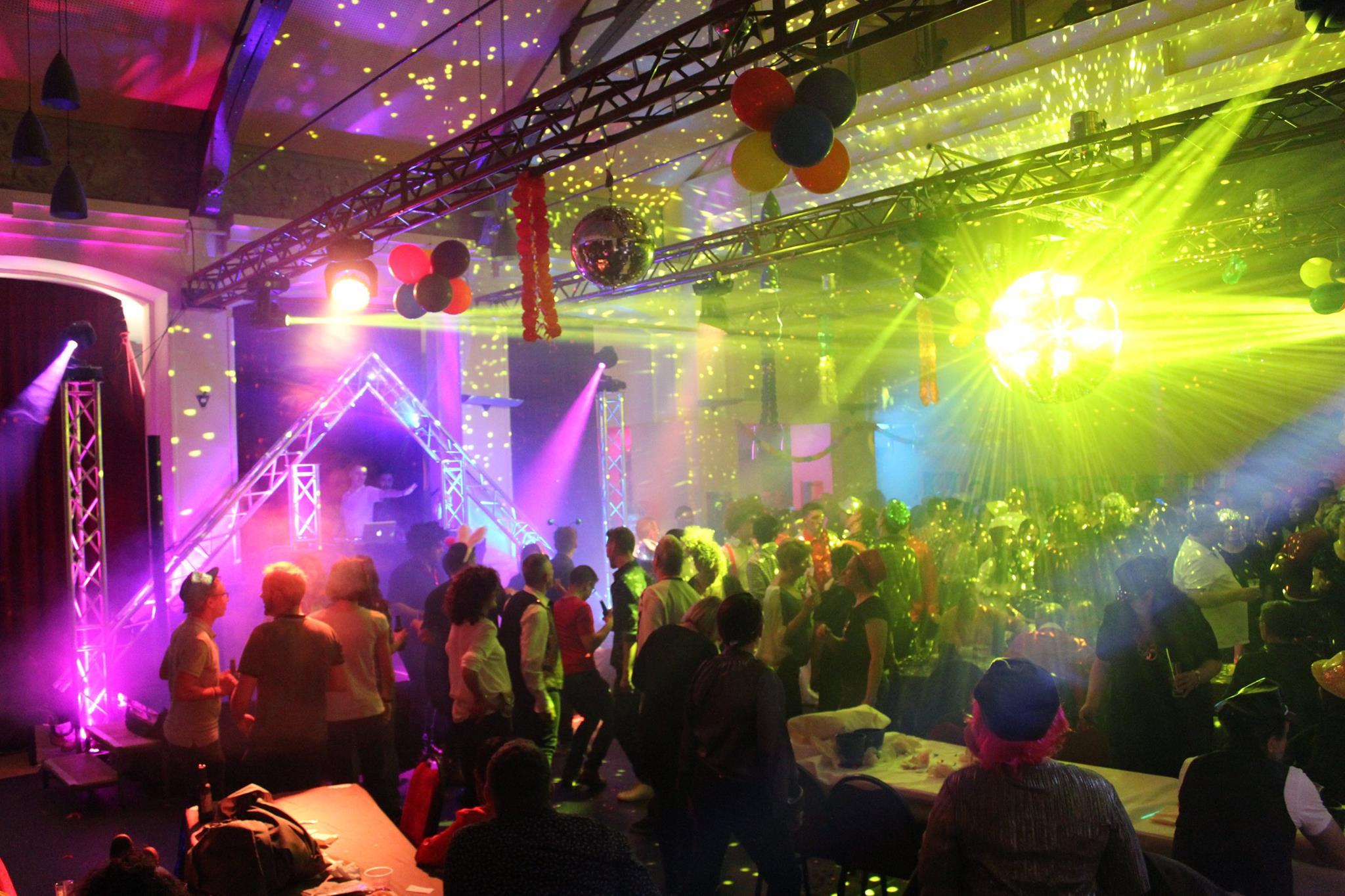Décoration Lumière de Yoan pour la Snow Gay événement LGBT