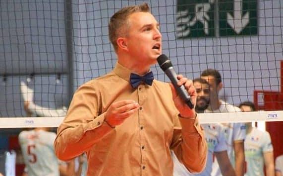 Yoan, speaker, ambianceur et DJ pour l'Equipe de France de Volley