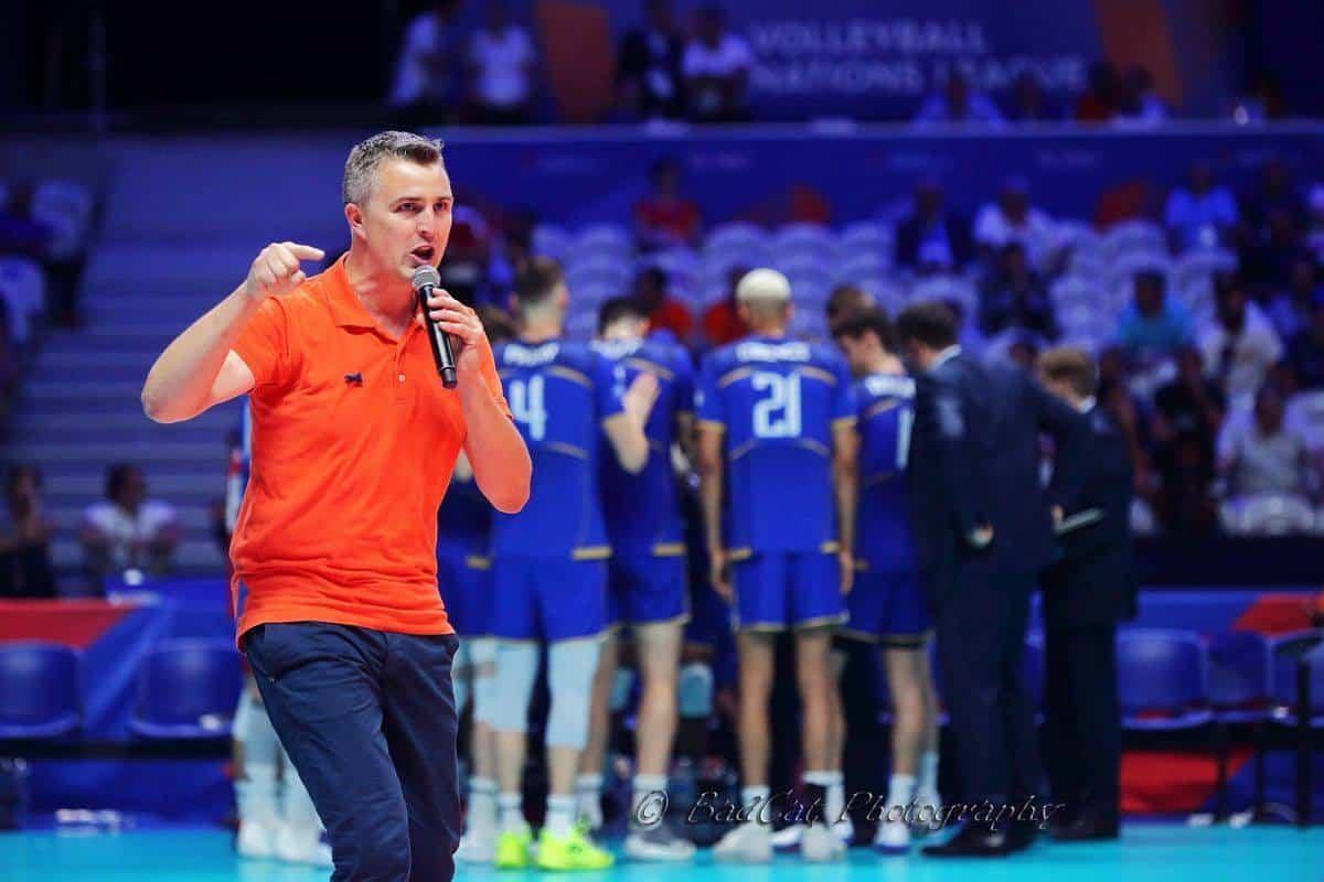 Yoan, ambianceur et speaker pour l'Equipe de France de Volley