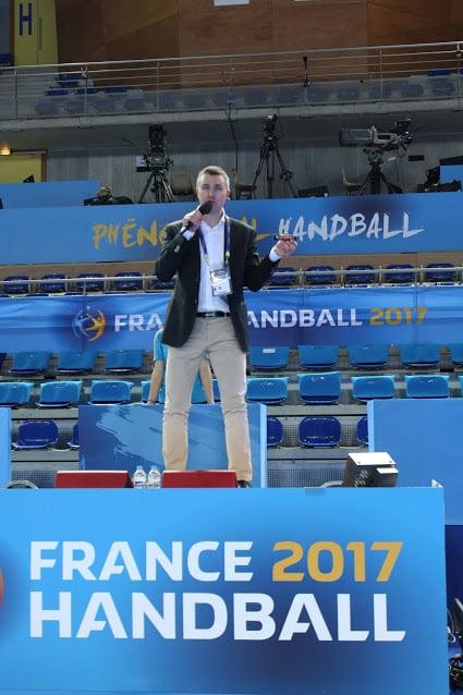 Yoan speaker du Fenix Toulouse Handball