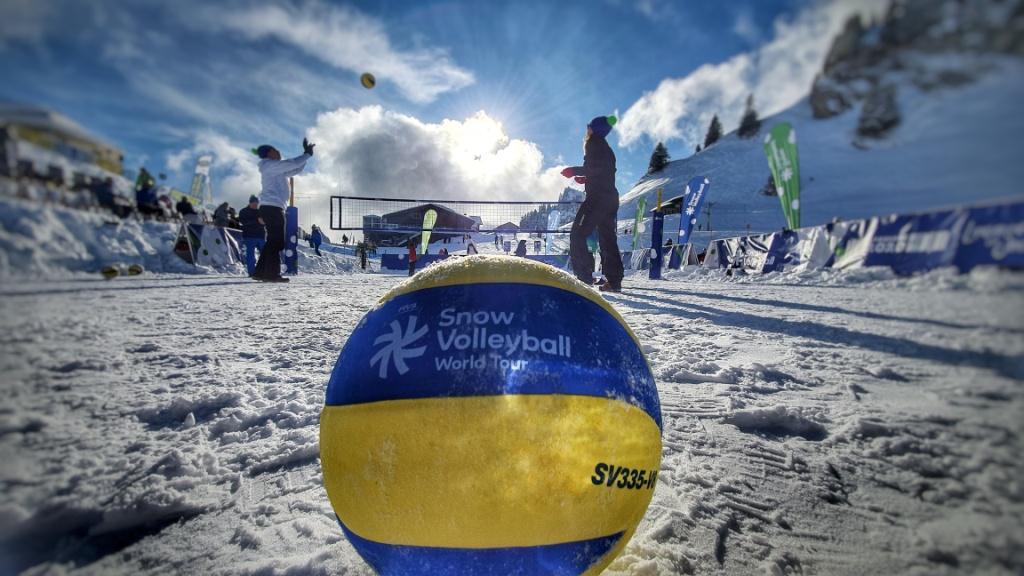 Yoan MC pour la FIVB à l'occasion du Snow Volley Festival