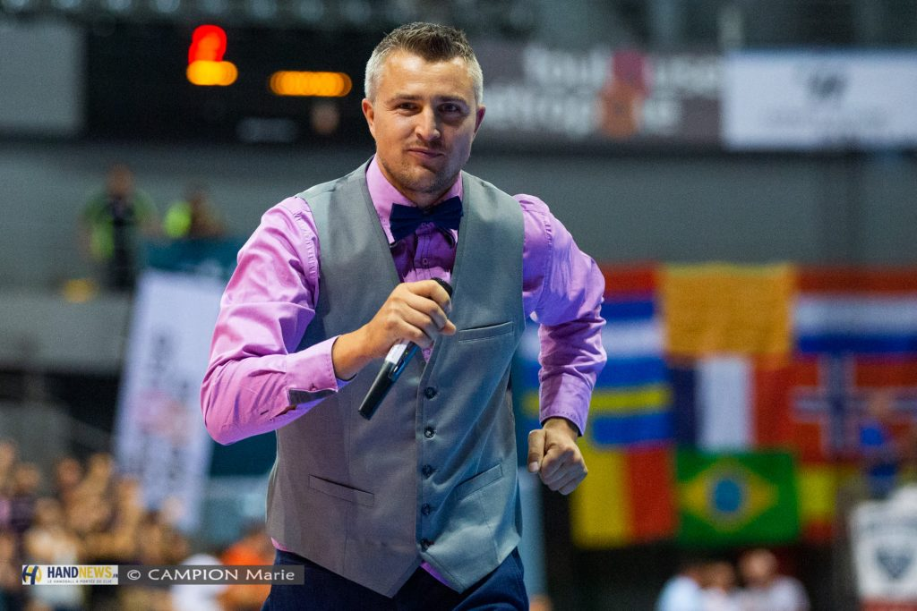 Yoan, ambianceur et Maître de cérémonie dj pour le Fenix TOulouse Handball