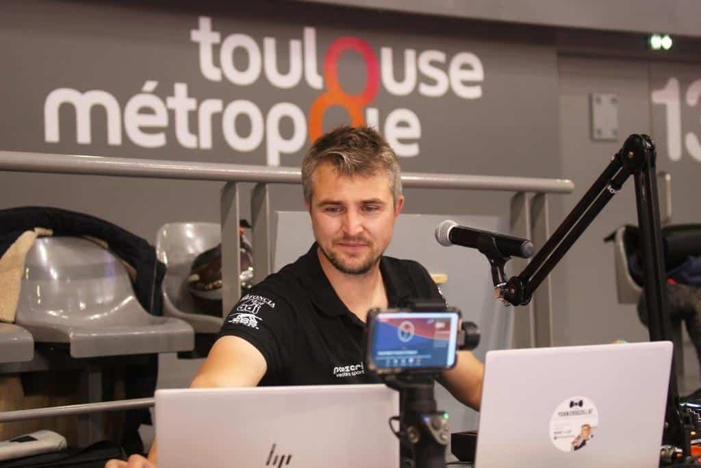 Yoan présentateur du live des matchs des Spacer's Toulouse