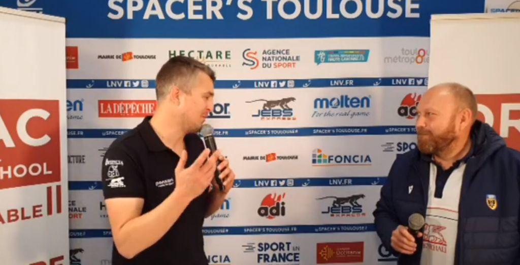 Yoan, présentateur d'émission live d'avant match pour le volleyball à Toulouse